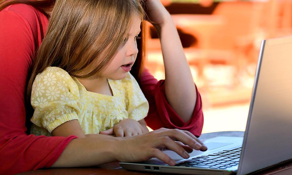 Niñez online: creciendo en la Era Digital